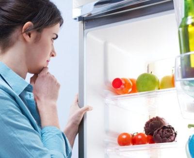 шумит холодильник что делать