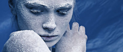 сколько замерзает лед в морозилке