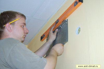 как крепится кондиционер к стене